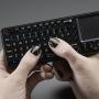 Миниатюрная беспроводная клавиатура с тачпадом